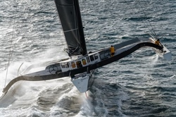 Co se stalo na trimaranu Spindrift